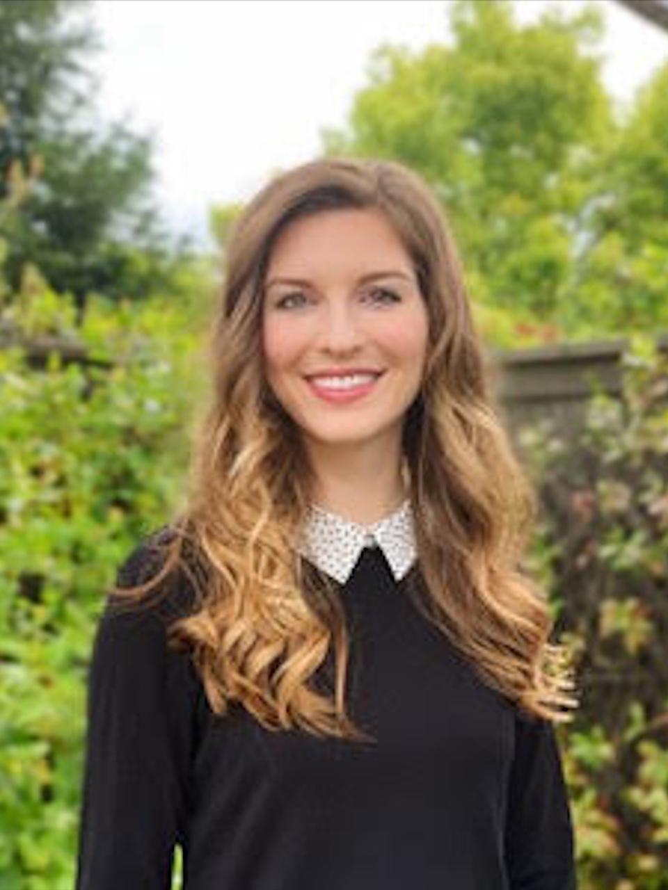 Emily Sidnam-Mauch headshot